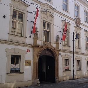 Prag'da Üniversite Okumanın Avantajları