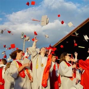 mezuniyet-cekturk-cek-universiteleri-pragdaki-okullar
