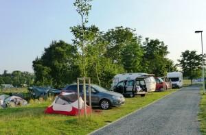 river camping1-kamp-Prag