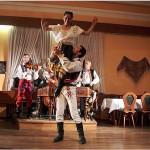 Prag'da Folklorik Çek Gecesi ve Çek Tatları